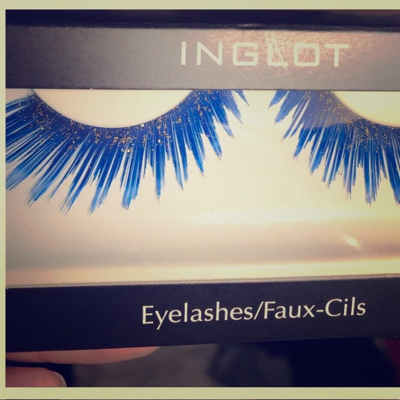 INGLOT Other - Blue Glitter Luxury False Lashes Halloween Ready